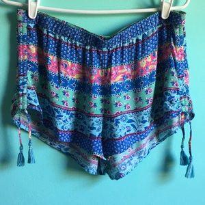BoHo patterned Awrie shorts  w tassels M